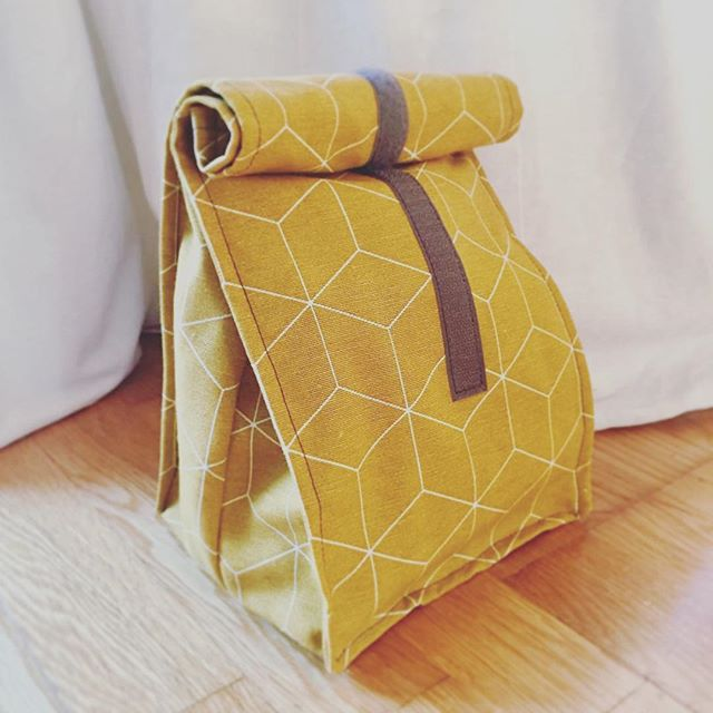 Reposting @kardamommy: #Lunchbag #pattydoo #nähen #sewing #essenstasche #geschenk #stoffe #geburtstag #besterehemann #️ #mitliebegemacht #diy