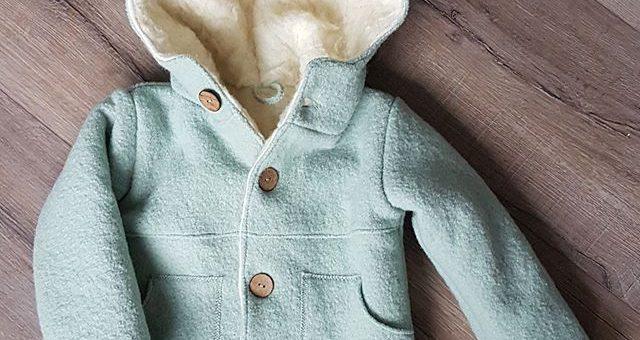 Ein toller Mantel 🧥 den unsere liebe Britta aus dem mintgrünem Walk gezaubert/genäht hat. #stofflagergriesheim #nähenmachtglücklich #nähenfürkinder #nähenistwiezaubernkönnen