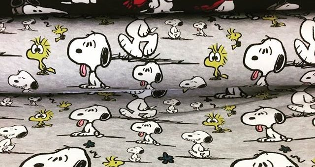 Die Peanuts sind bei uns eingezogen. Wer mag Snoopy und seinen Freunden ein neues zu Hause geben?#jersey #stoff #stoffsucht #stofflager #stofflagergriesheim#nähenmachtglücklich#nähen #nähenfürbabys #griesheim #darmstadt
