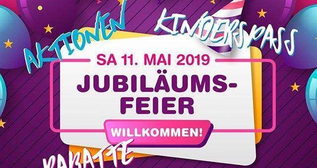 Am Samstag den 11. Mai 2019 seid ihr alle zu unserer Jubiläumsfeier in Griesheim herzlich eingeladen! Alle Bündchen (Uni, gemustert, etc) und alle unifarbene Baumwoll- und Viskose-Jerseys 6€/m nur an diesem Samstag! #stoffladen #stofflager #stoffliebe #jubilaeumsfeier #griesheim #darmstadt