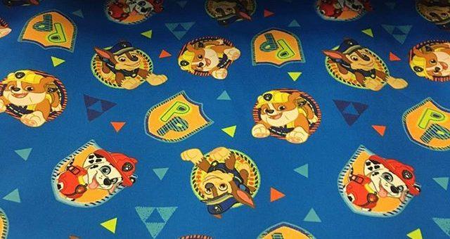 Sind auch deine Kinder Fans von Paw Patrol? Jetzt sind sie auf Mission im Stofflager! Schöner Softshell Stoff #softshell #pawpatrol #hund #stoff #fabrics #kinderstoffe