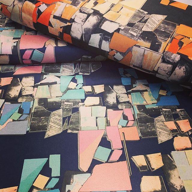 Neue Farben neue Designs. Das Team vom Stofflager in Griesheim berät Sie gerne. 🥰