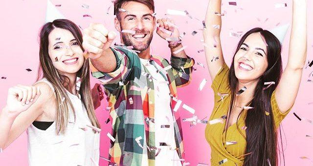 """Dein Stofflager – Wiedereröffnung! Wie viele von euch schon wissen, sind wir zwischen den Jahren in neuen Räumlichkeiten umgezogen. Das möchten wir zusammen mit euch feiern! 🍿 In der neuen Location erwartet euch an dem Tag, außer viele schöne Stoffe und eine neue """"Kurzwarenecke"""", ein besonderes Angebot (Überraschung) und natürlich Sekt, Kaffee und Süßes 🍾🥂️ Wo: Boschstraße 3 • 64347 GriesheimWann: 1. Februar 2020 • 10-16 Uhr"""